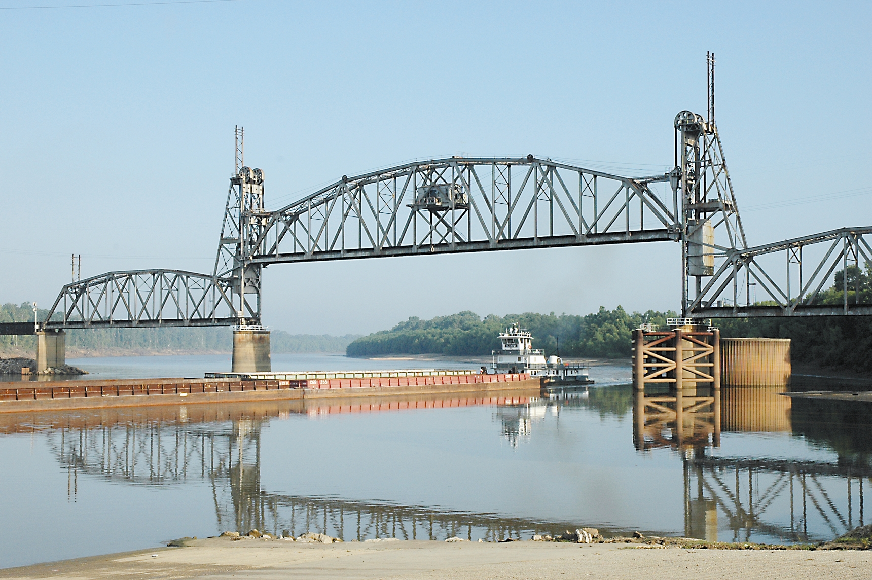 Jackson-railroad-bridge-barge